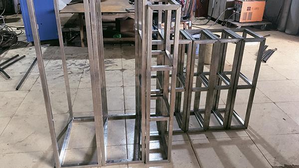 艺辉商铺展示货架的结构特点