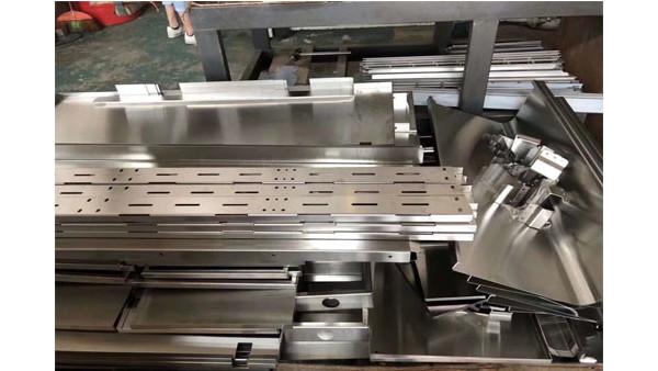 广州艺辉钣金加工厂家简述钣金工艺有哪些
